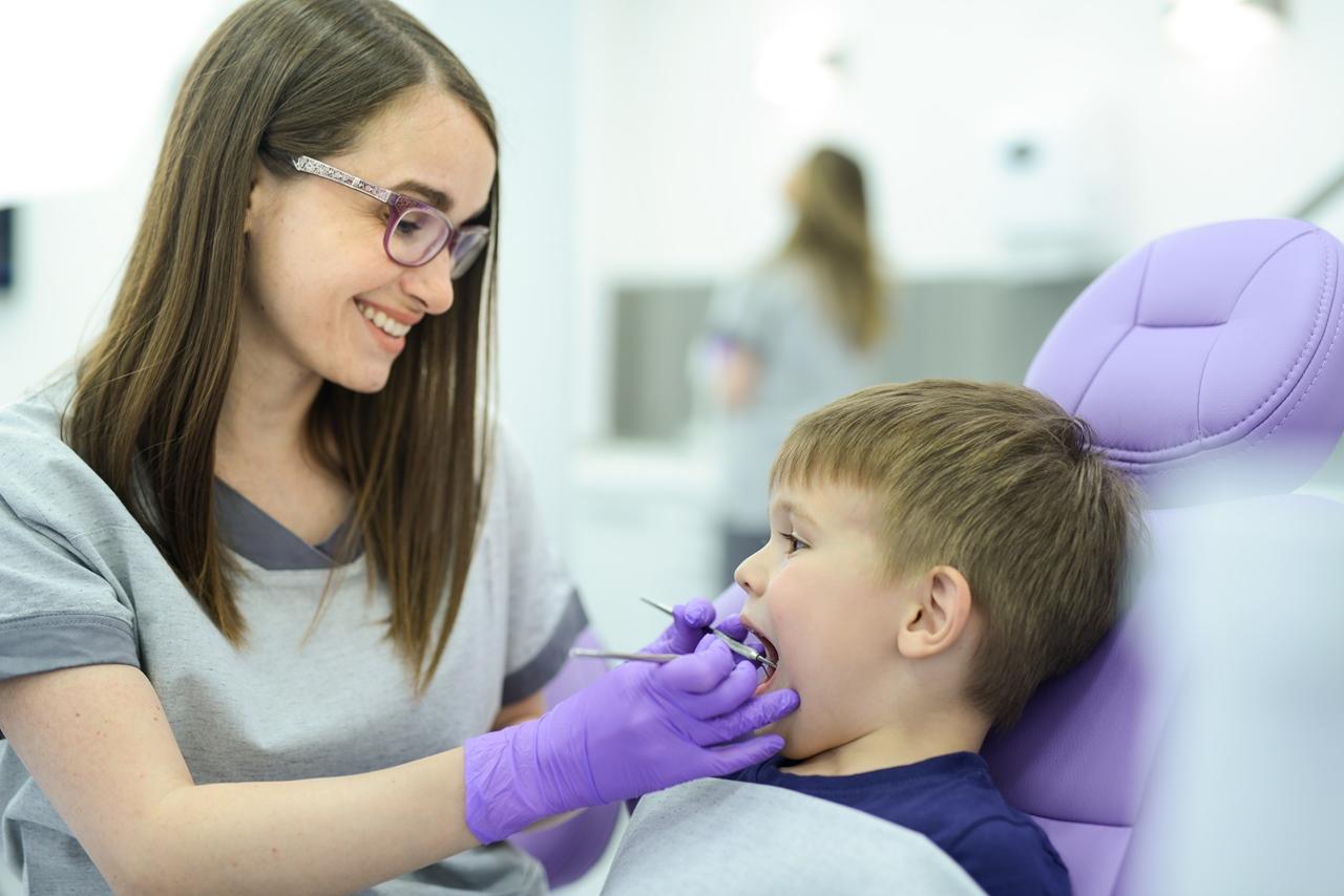 新規開業で歯科衛生士3名の採用が決まったが教育はどうしたらいいか?