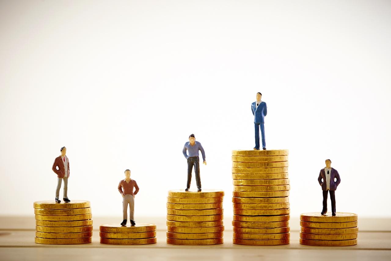 事務スタッフの給与、評価、勤務時間をどうしたらいいか?